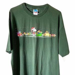 PEANUTS Snoopy & Friends Christmas Scene T-shirt